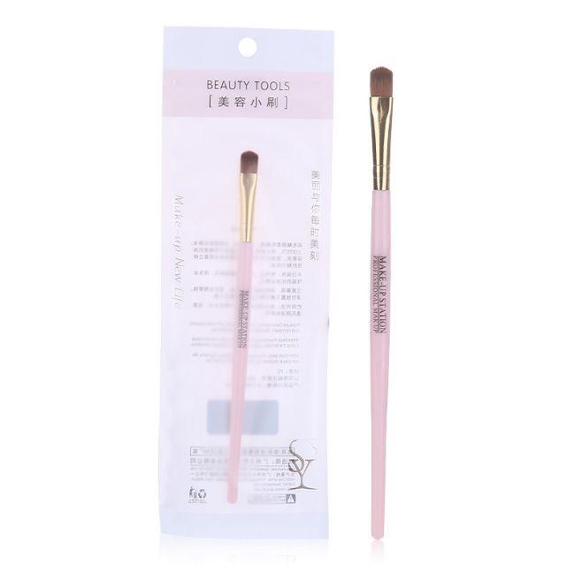 Wholesale professional portable custom logo eyeshadow concealer brush plastic makeup brush B0478