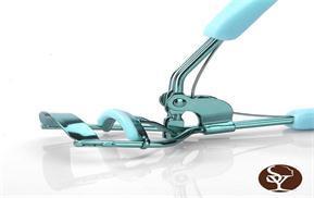 How to use an eyelash curler?